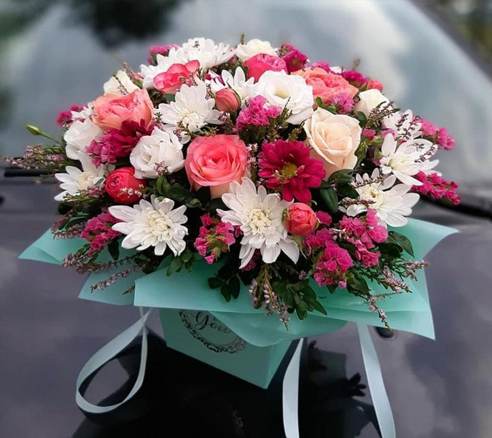 гарна коробка з квітами | flower-power.rv.ua
