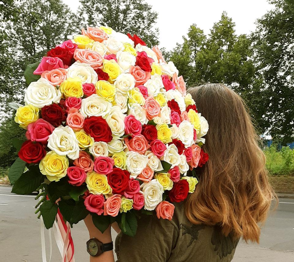 букет кольорових троянд | flower-power.rv.ua