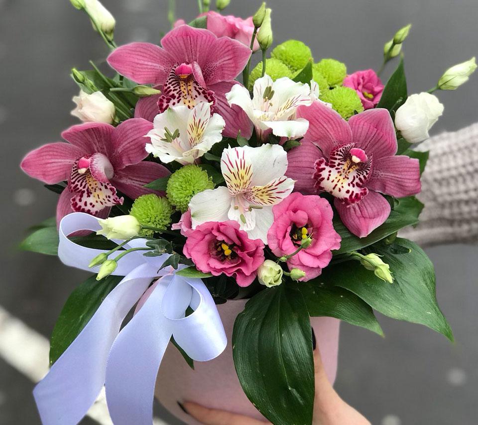 коробка з ірисами | flower-power.rv.ua