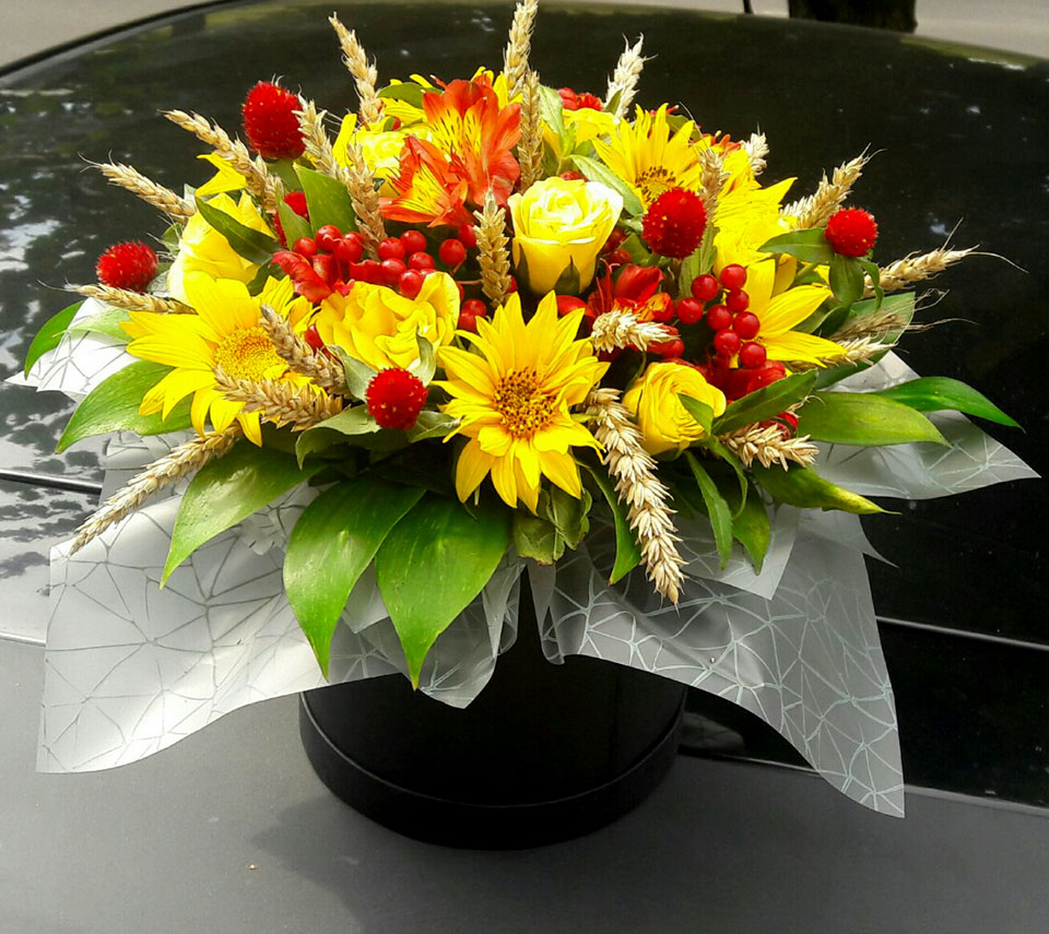 коробка з соняшниками | flower-power.rv.ua