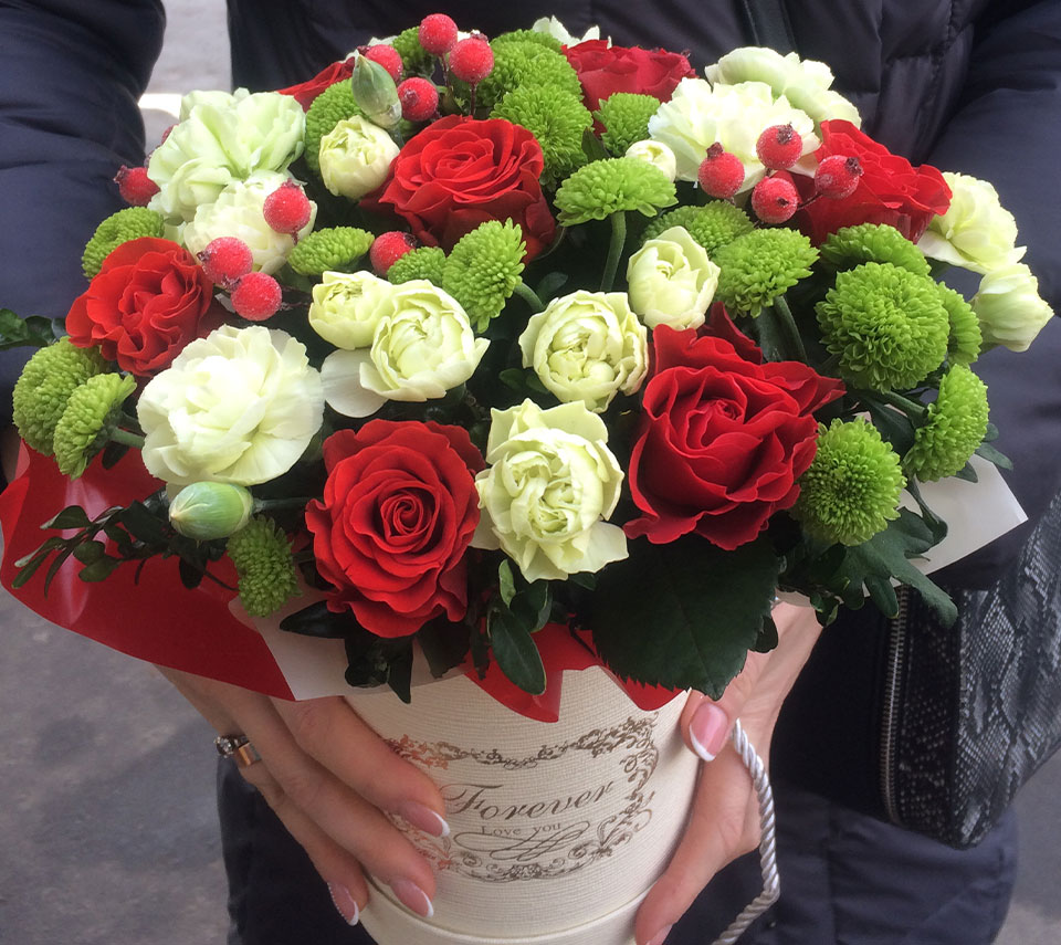 коробка з трояндами | flower-power.rv.ua