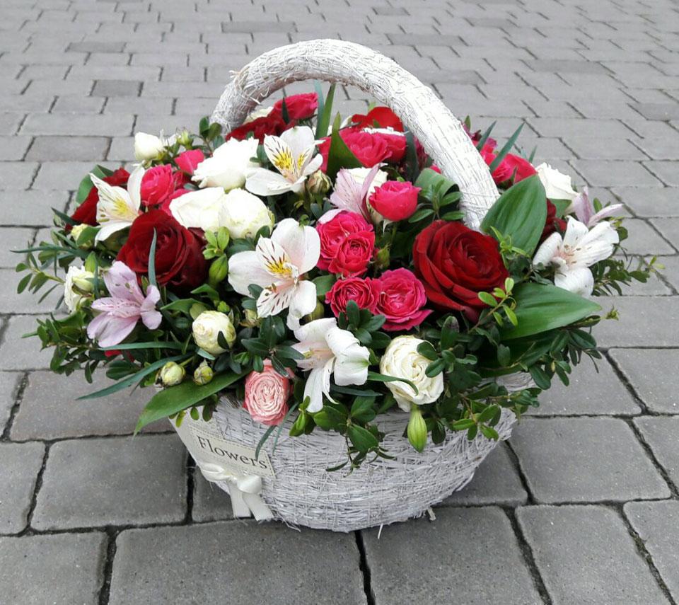 кошик з квітами | flower-power.rv.ua