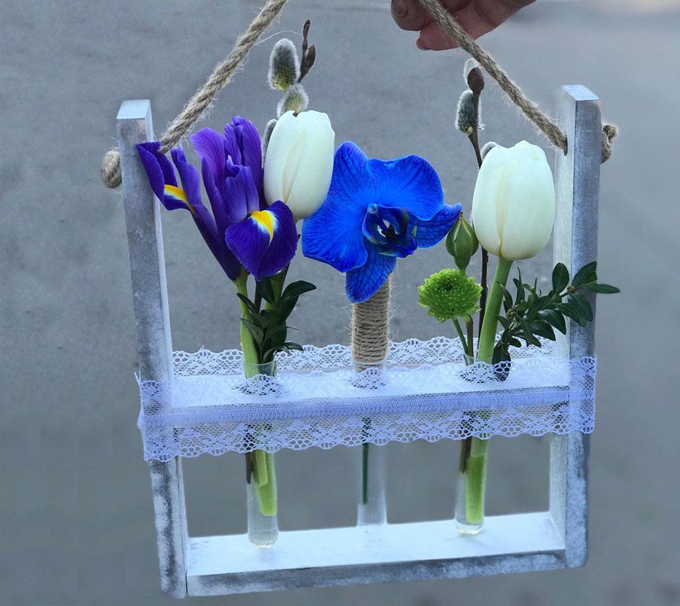 цікава композиція з квітами | flower-power.rv.ua