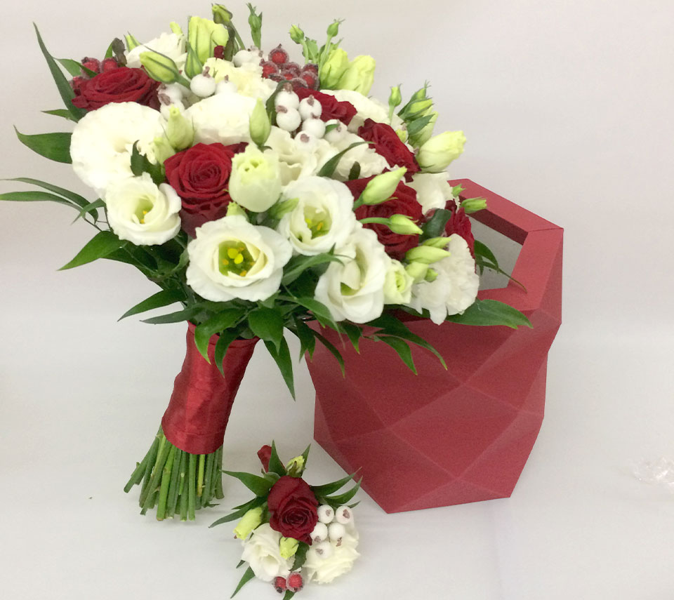 весільний букет з еустоми | flower-power.rv.ua